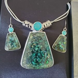 Jewelry - Green Quartz Necklace and Earrings...New In Box